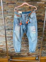 Baggy-Jeans im Hippie-Style mit vielen schönen & bunten Details