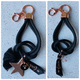 Schlüsselanhänger Segeltau Schwarz Rosé mit Wunschgravurplättchen oder Stern Anhänger