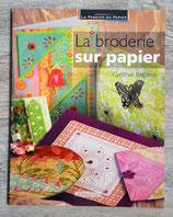 NEUF - La broderie sur papier