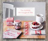NEUF - La cuisine en rouge et bis (Point de croix)
