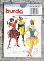 Pochette patron Burda 5238 - 3 déguisements femme