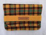 Clutch aus Harris Tweed (gelbgrünbraun)