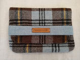 Clutch aus Harris Tweed (blaubraun Karo)