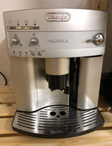 Delonghi ESAM 3000er Serie Kaffeevollautomat Silber