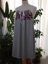 Robe à bretelles grise avec empiècement fleuri