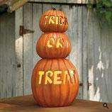 Réplicas de calabazas de halloween con la famosa frase de truco o trato