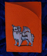 "Art:Nr:0026A  Ahnen-/ Impfpasshülle, Motiv ""Chihuahua Langhaar"""