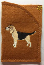 "Art:Nr:0129  Ahnenpass- / Impfpasshülle, Motiv ""Beagle ""B:12 cm H.17 cm"