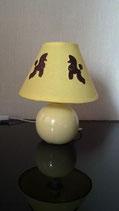 """Art:Nr:36908  Tischlampe bestickt, Motiv """"Zwei braune Pudel"""""""