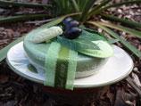 Marseille Seife OLIVE auf Keramikseifenhalter, auch als ROSENseife und LAVENDELseife verfügbar