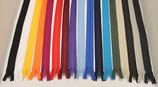 Reißverschluss 65cm Ykk vers. Farben teilbar