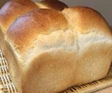 KUKULI(山型食パン) サイズ:ホール