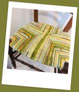 Chaise paillée en torons de tissus. Collection Eté indien. Bois naturel.