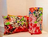 """Lampe à poser - Lampe à suspendre. Tissu """"Bouquet"""" de chez Lalie Design - 100 % lin. Différentes tailles et formes."""