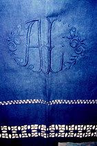 Drap vintage en métis teint en couleur marine. Années 1920 - 1930