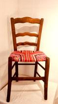 Chaise paillée ancienne en bois naturel. Collection Bougainvilliers.