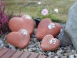 Tierurne in Herzform, Terrakotta und Pfotenabdruck