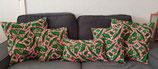 Housse de coussin fond marbré rose/blanc motifs verts