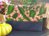 Housse pour tablette Wax/jean fond marbré rose/blanc motifs verts