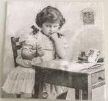 Vintage - Mädchen am Schreibtisch / #000449