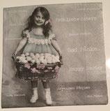 Vintage - Ostermädchen mit Korb in den Händen / #000133