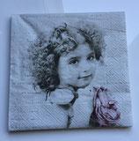 Vintage - Mädchen mit einer grossen Blume / #000106