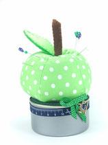 Apfel-Nadelkissen auf der Dose