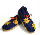"""Hausschuhe """"Kobaltblau mit Blumen"""""""