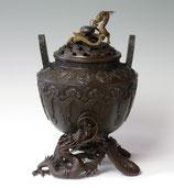 128-53 龍足雲龍蓋香炉