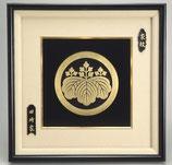 156-56 立体青銅鋳物家紋額 布巻(金箔仕上)