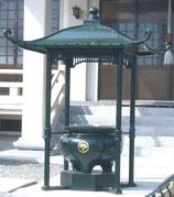 65-56 屋根付香炉 柱垂直建