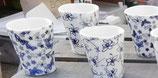 EB- Petites tasses fleuries en porcelaine