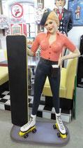 Rollergirl mit Menükarte -  GFK Figur