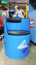 1 Aral Ölfass-Sessel mit Rückenlehne Benzin Garage Halle Lounge Bereich