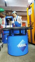 Aral Sessel 3 Stück & Tisch Ölfass Möbel Retro Halle Lounge Tankstelle Garage