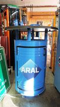 Aral Stehtisch auf feststellbaren Rollen Design Tisch inkl. Staufach Tankstelle