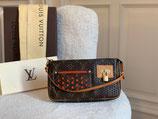 Louis Vuitton Tasche Pochette Acc. Perf Orange FULLSET