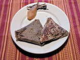 *Samoussa sucré poires au sirop & fondue de chocolat.