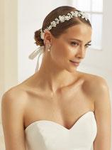 Haarband aus Stoffblumen und Perlen