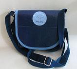 Dogi Bag - Umhängetasche mit blauen Träger