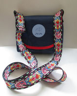 Dogi Bag - Umhängetasche mit bunten Träger