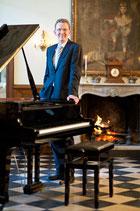 Musikalischer Kaffeehausnachmittag mit Schloss-Pianist Andreas Arenz