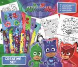 PJ Masks XL Kreativ Set: 10 tolle Bilder zum ausmalen, 2 Skizzen Blätter, 6 Wachsmalstifte, 5 Stickerbögen, alle Pyjamahelden dabei Gecko, Eulette, Catboy