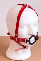 Ringknebel Ringgag Harness aus rotem PVC