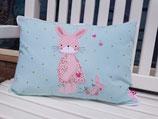 """Unikat """"Pink Rabbit"""" mit großer gestickter Applikation (rosa Häschen)"""