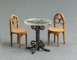 Café-Tisch und 4 Stühle, Bausatz 1:45