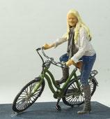 Linda mit Fahrrad, 1:32