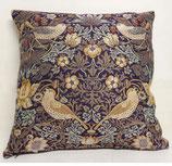 川島織物/イチゴドロボウ(紫)リバーシブルクッションクッションカバー