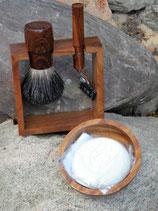 Elegantes Rasierset aus Edelholz