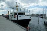 ab Kiel Strande  Ostsee, Kieler Bucht bis max. 12 Personen (zurzeit wieder max. 12 Personen) (Einzelfahrt Mo.-Fr.) - Aufpreis auf unseren Basispreis Seebestattungen 1295.- €+